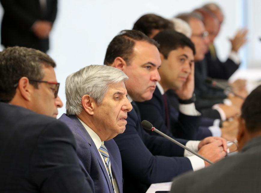 Ministros e secretários saem em defesa de Bolsonaro nas redes sociais