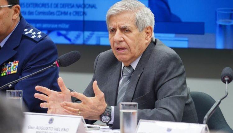 Oposição denuncia Heleno à PGR por violação à Lei de Segurança Nacional
