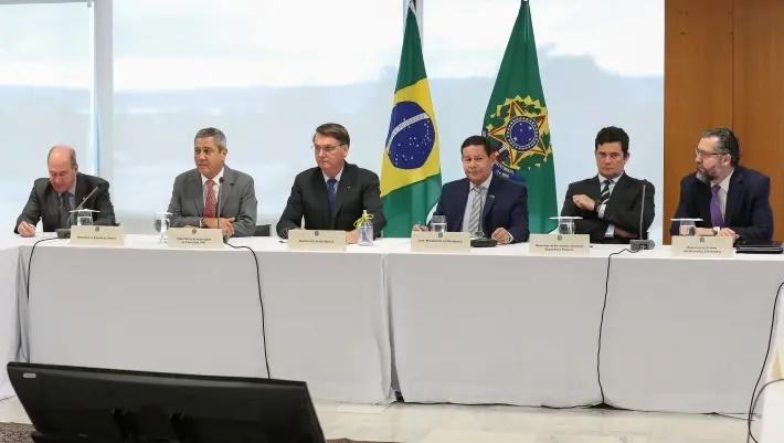 Efeito Vídeo: Associação de Juízes pede afastamento de ministros e denuncia 'autoritarismo'