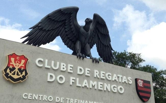 Empresa cobra na justiça dívida do Flamengo e acusa 'mesada' de dirigentes