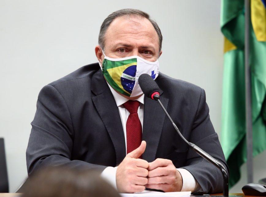 Governo volta a divulgar números acumulados sobre a pandemia no Brasil