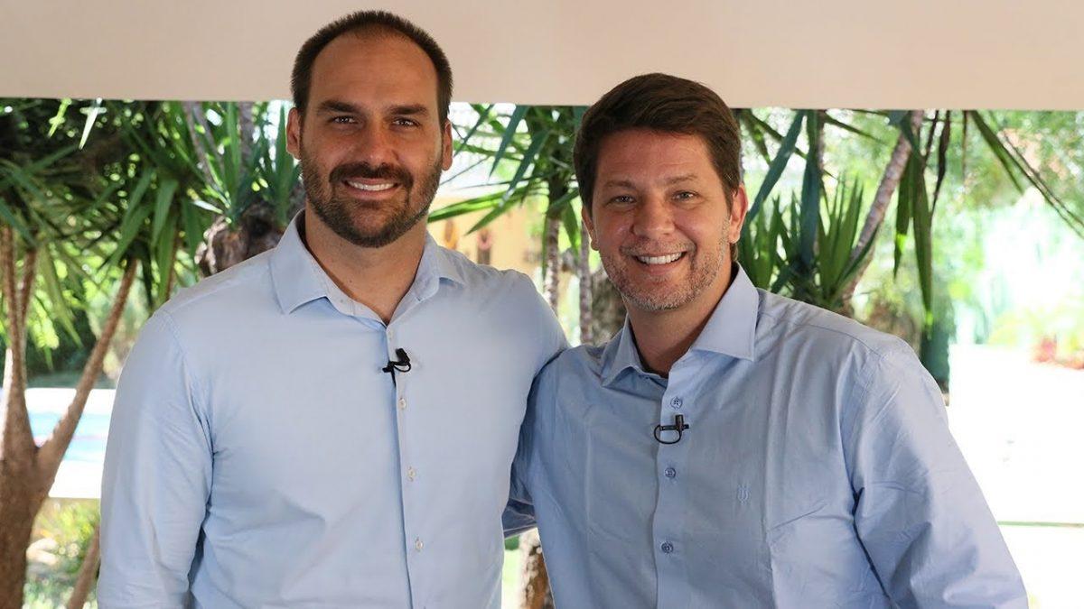 Mário Frias chama auxílio emergencial de 'esmola' e diz viver 'em comunhão' com Bolsonaro