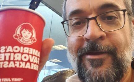 Oposição pede à Justiça apreensão do passaporte diplomático de Weintraub