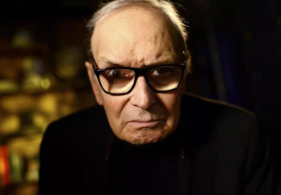 Ennio Morricone, maestro e compositor italiano, morre aos 91 anos