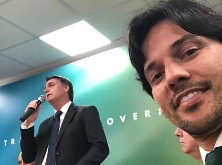 """Fábio Faria diz que Bolsonaro """"paz e amor"""" veio para ficar: """"Ninguém aguenta brigas todos os dias"""""""