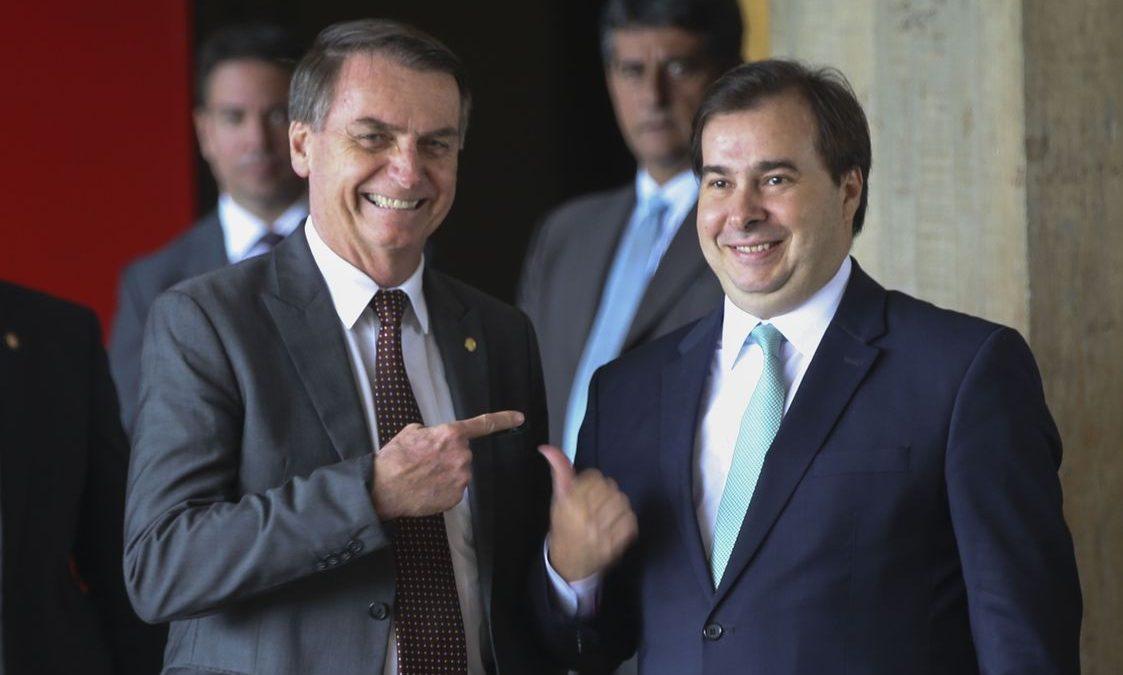 OPINIÃO – Se não tiram Bolsonaro com 48 pedidos de impeachment, então que saia o presidente da Câmara, Rodrigo Maia!