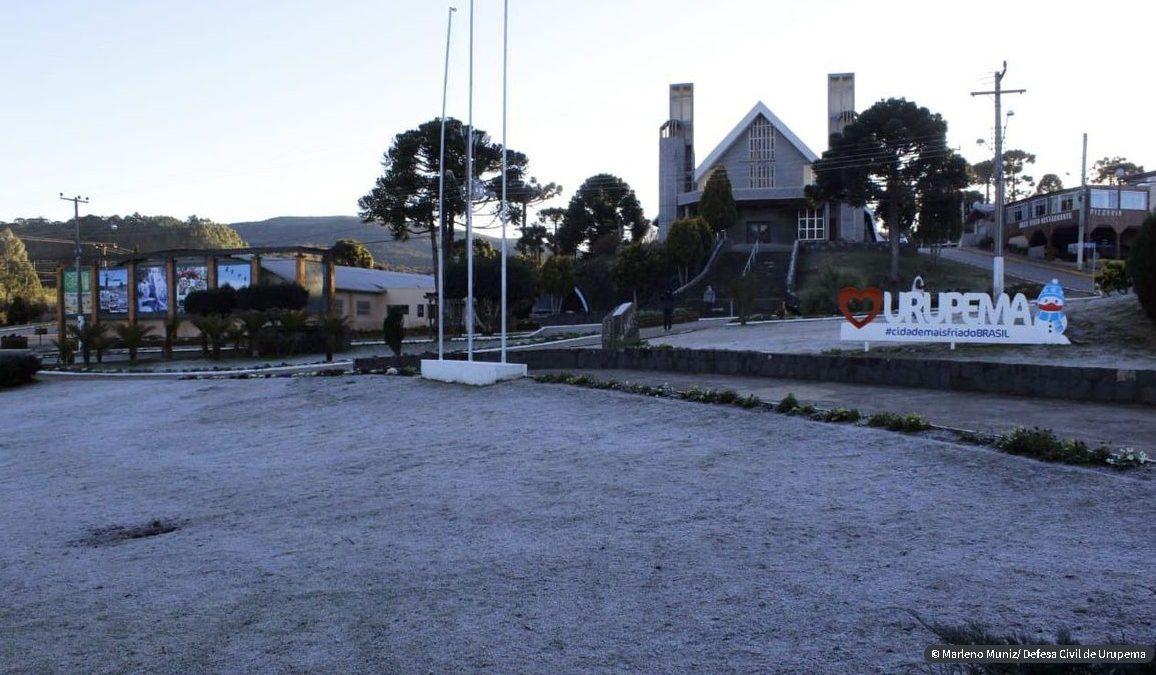 Onda de frio faz nevar no Rio Grande do Sul e em Santa Catarina