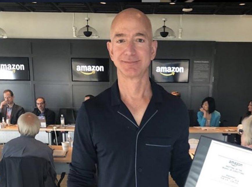Jeff Bezos se torna a 1ª pessoa do mundo a ter mais de US$ 200 bilhões