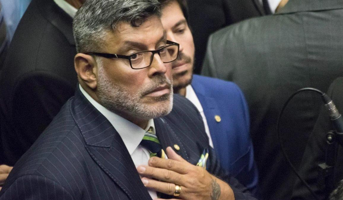 Alexandre Frota é denunciado por falsidade ideológica e MP aponta 'forte suspeita' de lavagem de dinheiro