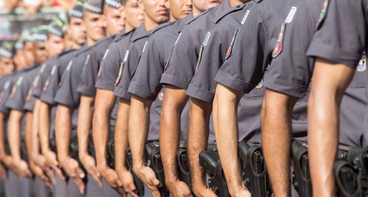 Mais de dois mil policiais e militares pedem afastamento de suas funções para disputar as eleições este ano