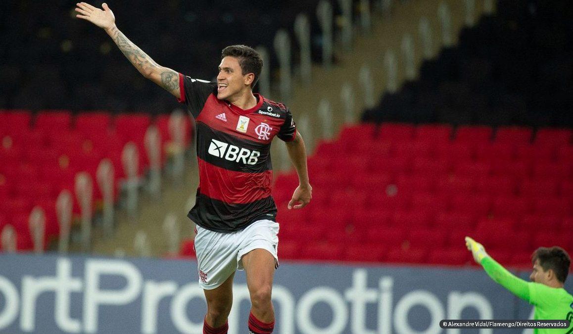 Flamengo vence Goiás e assume vice-liderança do Brasileiro [VÍDEO]