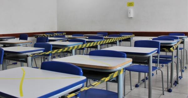 Rede pública estadual do Rio aprovará todos os alunos este ano
