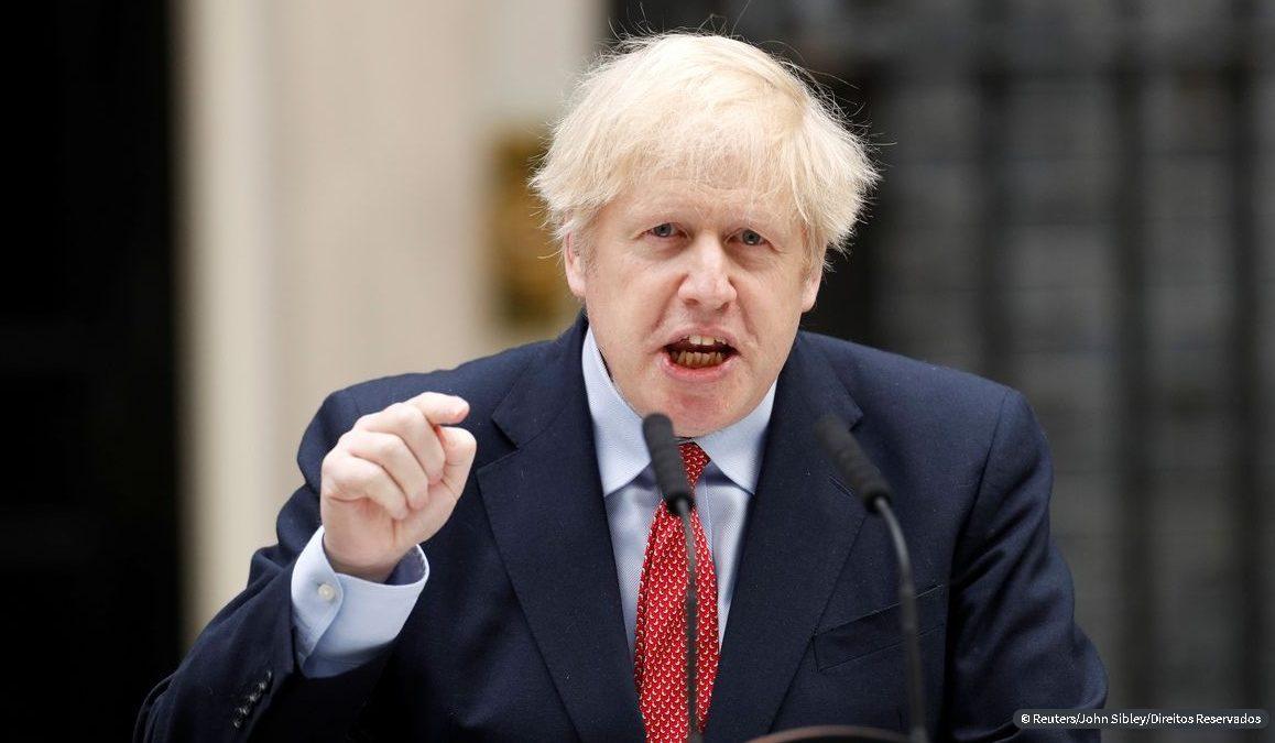 É hora de nos prepararmos para Brexit sem acordo comercial, diz premiê