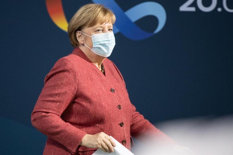 Merkel diz estar muito preocupada com pandemia em Berlim