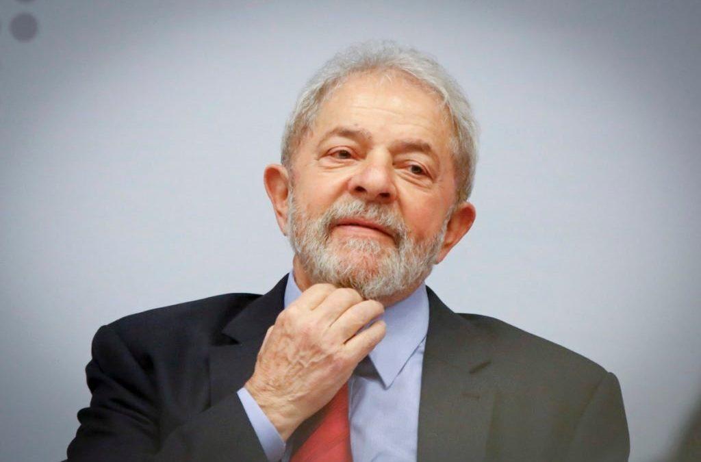 Polícia Federal entrega à defesa de Lula mensagens hackeadas da Lava Jato com diálogos de procuradores
