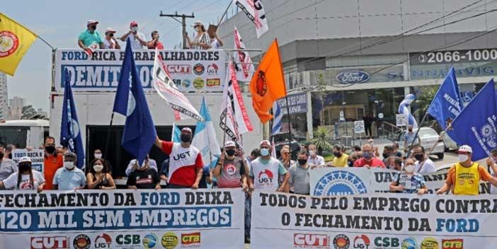 Ato em defesa dos empregos na Ford é marcado por solidariedade e unidade