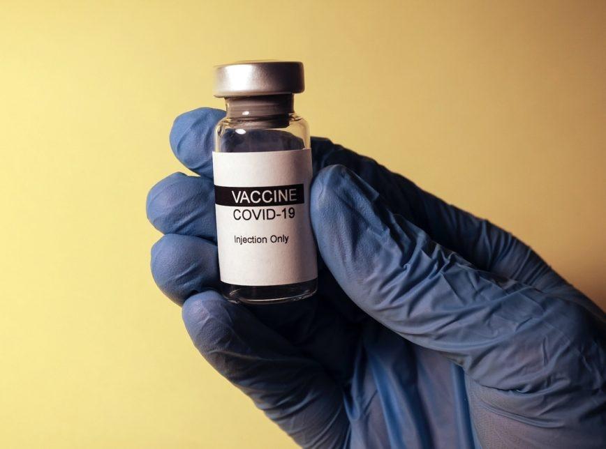 Saiba quais foram os erros na produção da vacina de Oxford/AstraZeneca