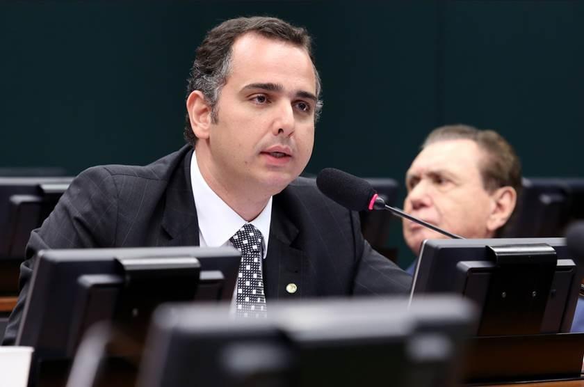 Pacheco ganha apoio de 3 partidos e sai na frente em eleição no Senado