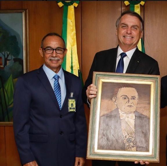 Com Castelo Branco ou Bolsonaro golpe é crime
