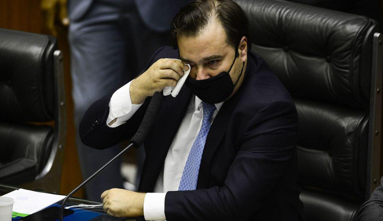 Emocionado, Rodrigo Maia se despede da presidência da Câmara
