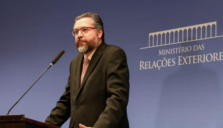 Um mês depois da demissão, ex-chanceler diz que o governo Bolsonaro perdeu 'alma' e 'ideal'