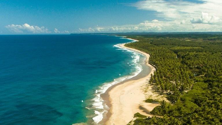 TURISMO HOJE: Praia de Algodões, um paraíso em Maraú (BA); MTur está com 21 capacitações disponíveis para profissionais do Turismo