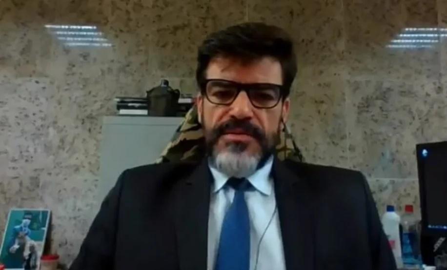 Na Câmara, delegado da PF diz que Salles participou de ato fraudulento para proteger madeireiros criminosos