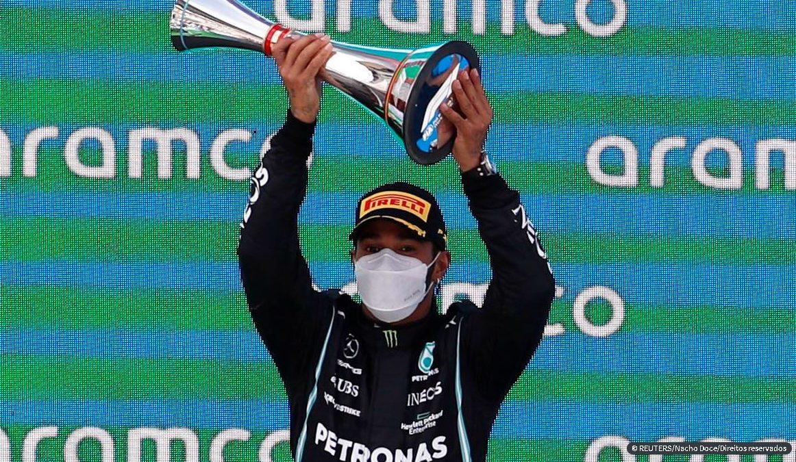 Pela quinta vez consecutiva Lewis Hamilton vence GP da Espanha