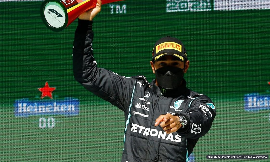 Hamilton vence GP de Portugal e amplia liderança na F1