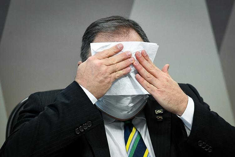 Quebra de sigilo de Pazuello só deve ser acessada por senadores da CPI