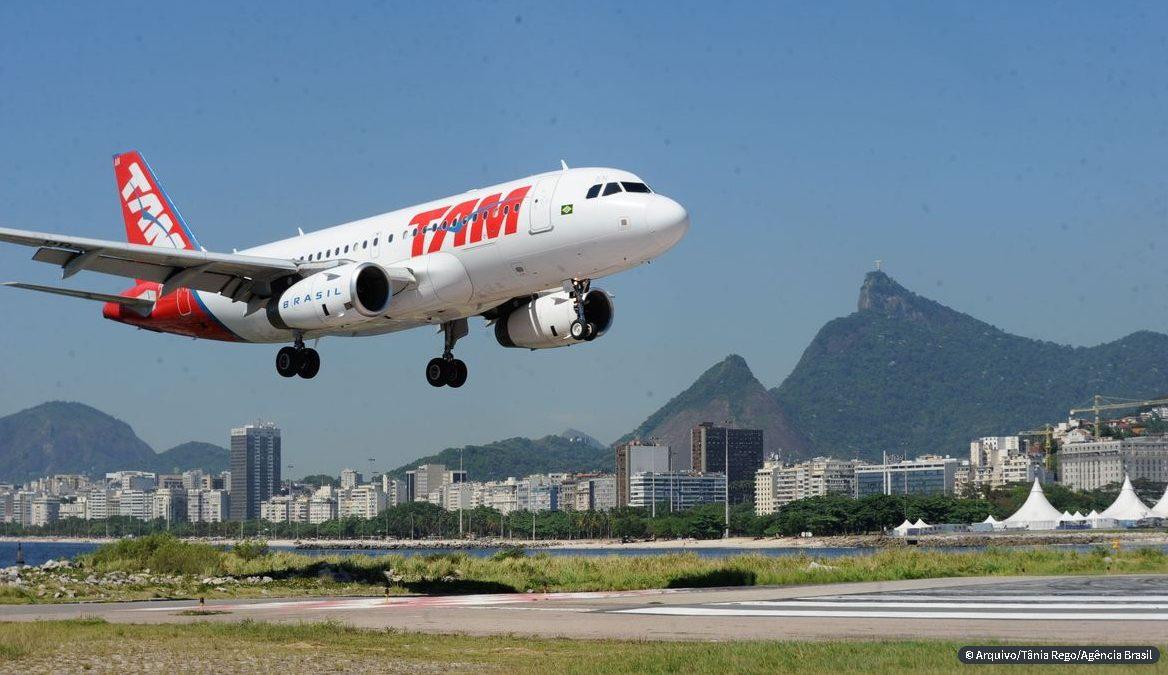 Ponte Aérea Rio-São Paulo testa reconhecimento facial em passageiros; Voo de balão é novo ponto turístico no RJ