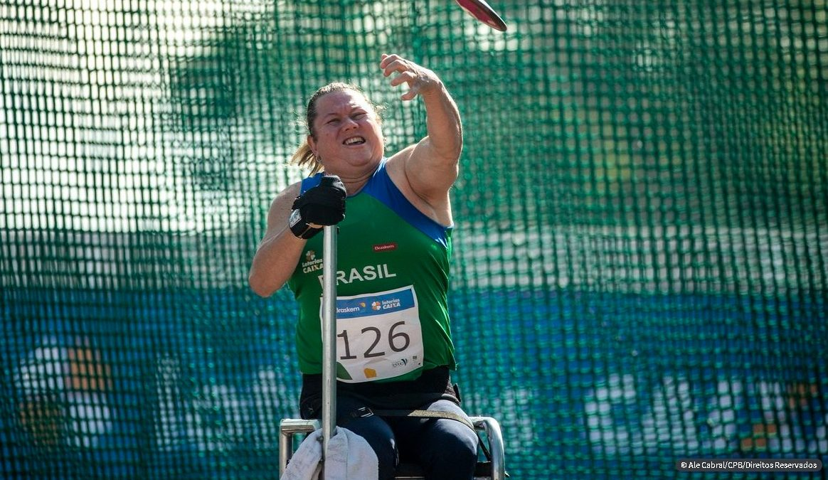 Campeã mundial quebra recorde mundial do disco em seletiva paralímpica