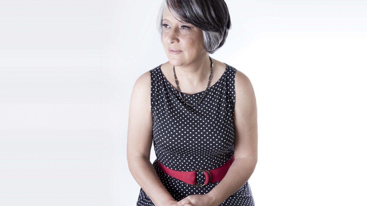 Compositora Denise Garcia: Costumo chamar meu piano de minha casa, minha primeira morada. Porque depois de comer, dormir e fazer as coisas do dia-a-dia, o que faço há mais tempo na minha vida é tocar piano