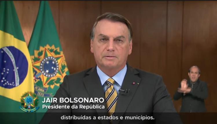 """Sob """"panelaço"""", Bolsonaro faz pronunciamento e integrantes da CPI reagem"""