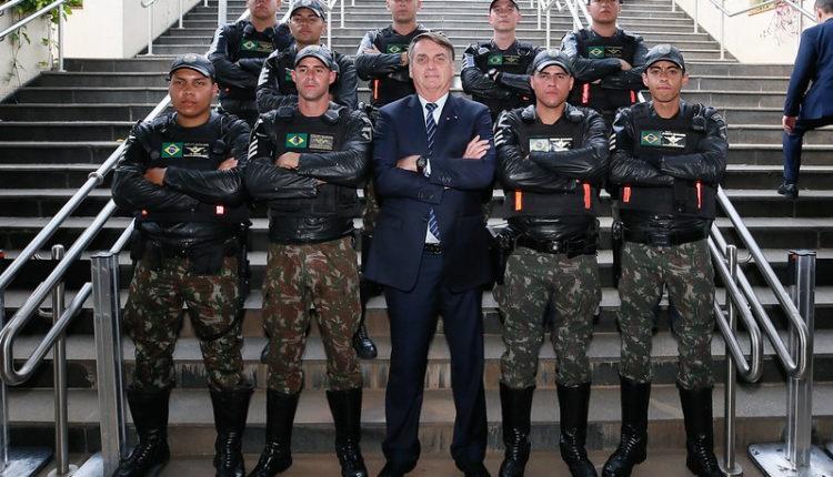 """""""Anarquia nos quartéis"""": autoridades criticam decisão do Exército de não punir Pazuello"""