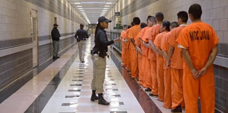 Direitos humanos para prisioneiros