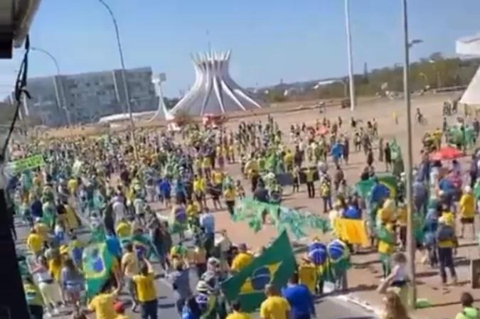 """Em nova manifestação, Bolsonaro ataca sistema eleitoral: """"Há indício fortíssimo de manipulação"""""""