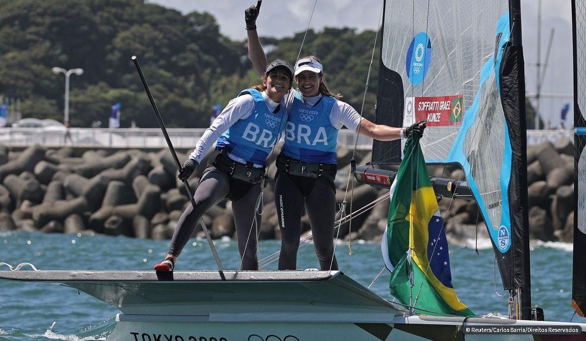 É OURO! Martine Grael e Kahena Kunze são bicampeãs olímpicas na classe 49er FX