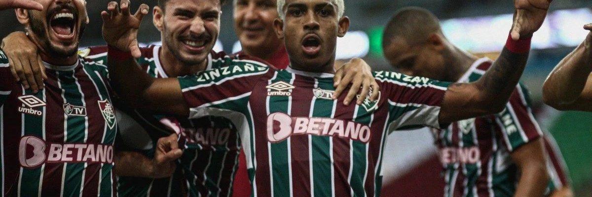 John Kennedy debutou em grande estilo no Fla-Flu com dois gols de puro oportunismo no Maracanã. (Lucas Merçon / Fluminense F.C.)